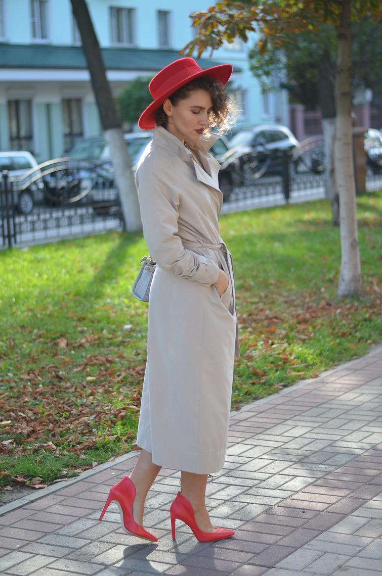 GILOCHKA-red-hat (3)