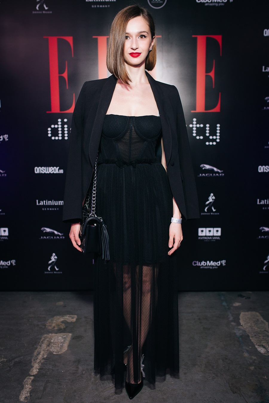 answear-ua-glavnyj-fashion-partnjor-elle-digital-party